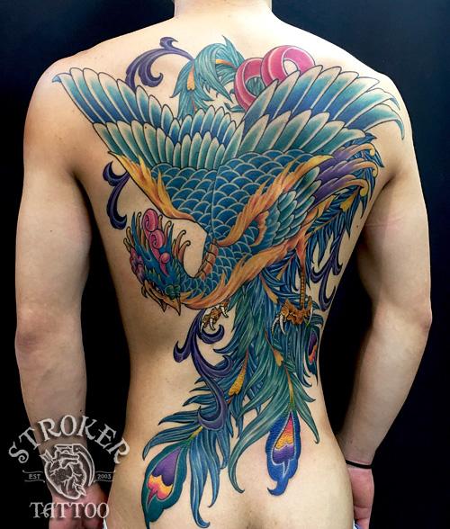鳳凰和彫り背中刺青
