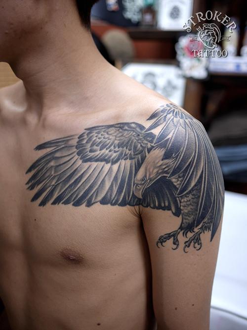 鷲 タトゥー