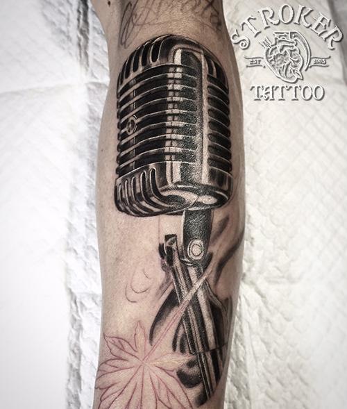 マイクのタトゥー