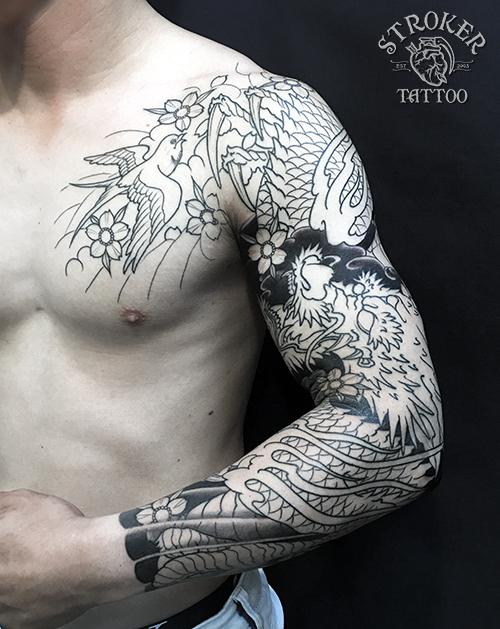 龍とツバメ和彫り刺青