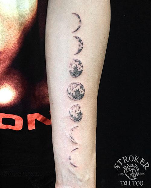 月のタトゥー
