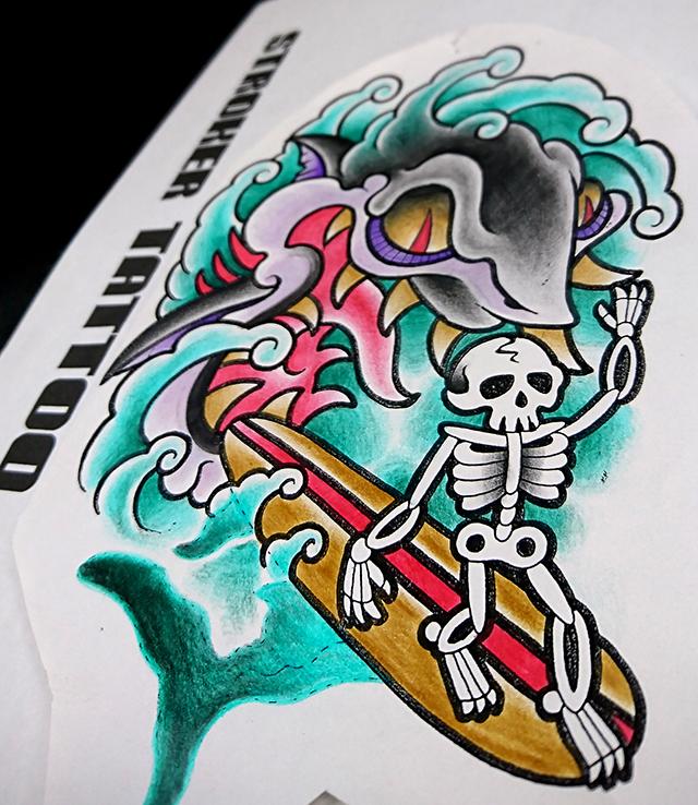 サメとスカルのタトゥー
