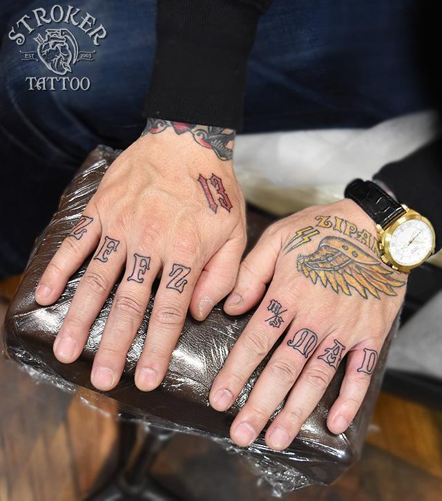 指タトゥー