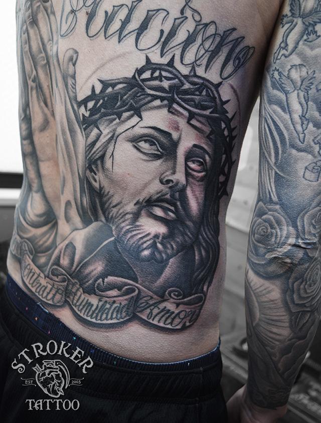 キリスト 背中 リアル タトゥー
