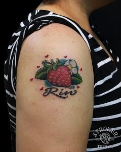 girl1611-kan-strawberry