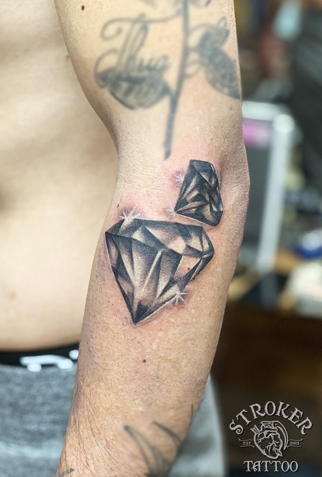 ダイヤモンド ダイヤ リアル タトゥー