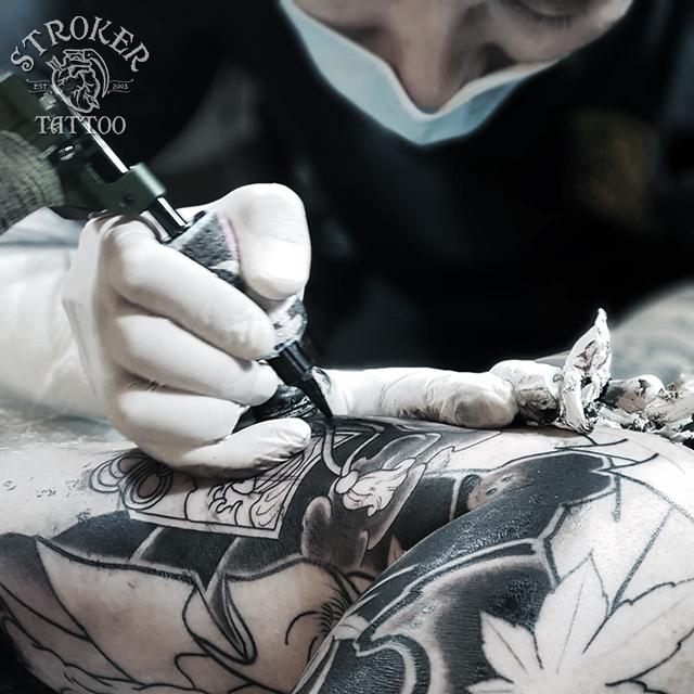 バンコク日本人彫師、ストローカータトゥーバンコク