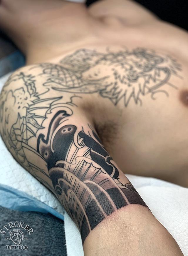 化け鯉 和彫り刺青