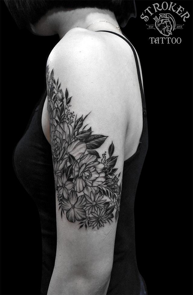 お花のタトゥー