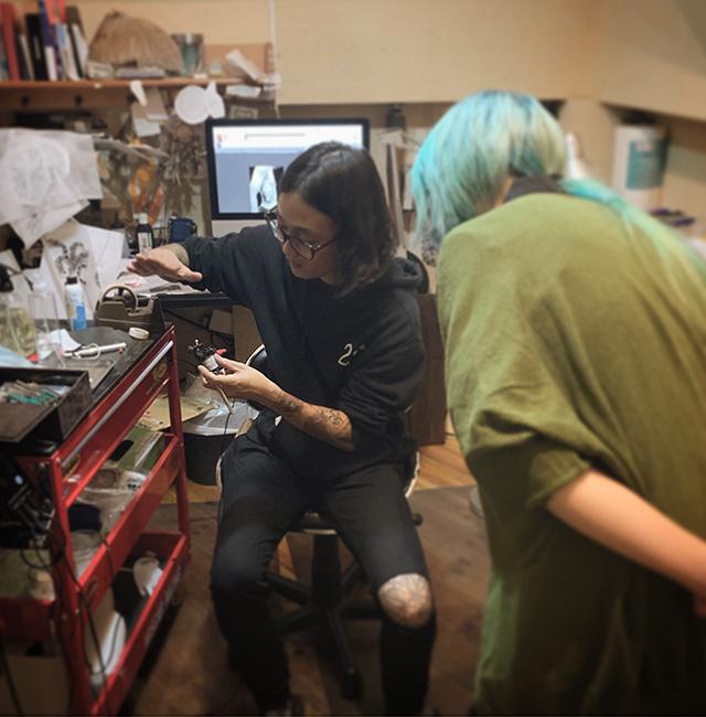 タトゥースタジオ東京町田女性彫師