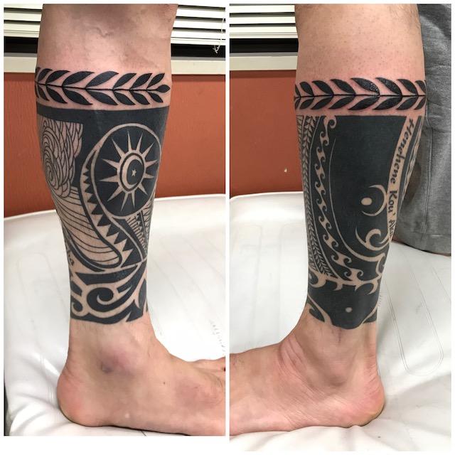 民族タトゥー ふくらはぎ 足タトゥー