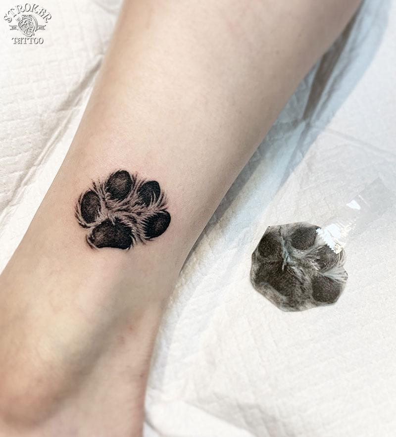 犬の足の裏タトゥー