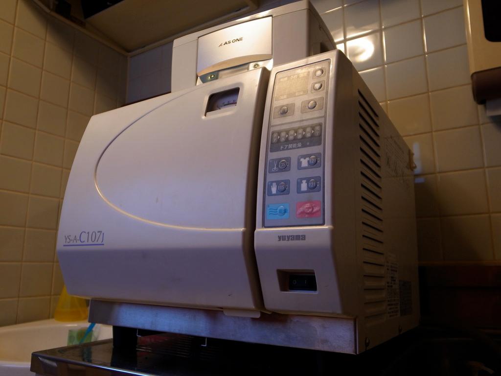 タトゥー滅菌、オートクレーブ高圧滅菌器