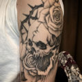 薔薇骸骨タトゥー