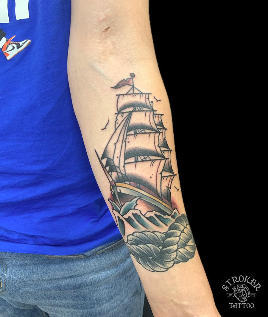 帆船のタトゥー