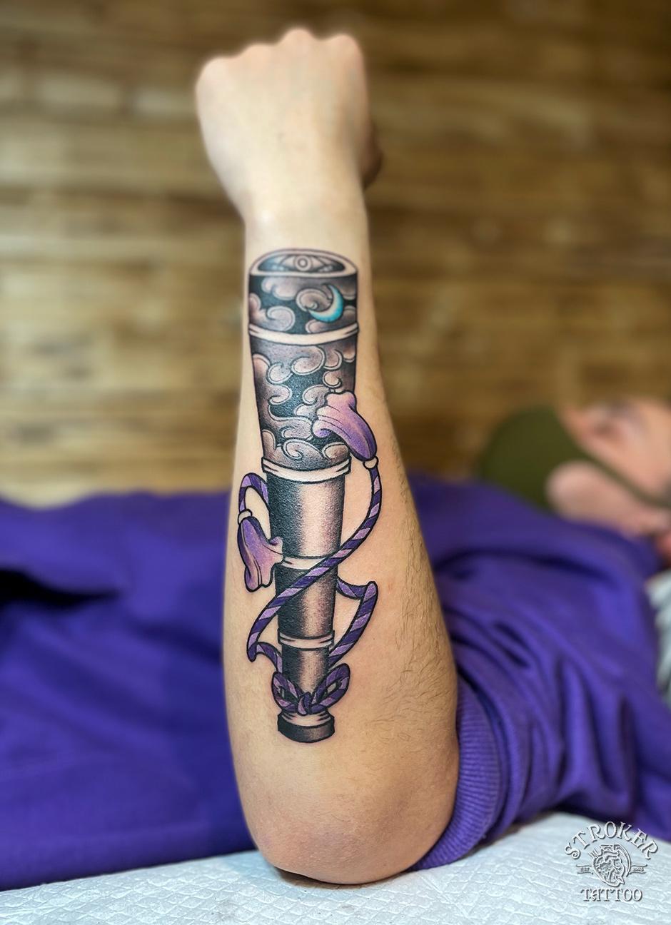 望遠鏡のタトゥー