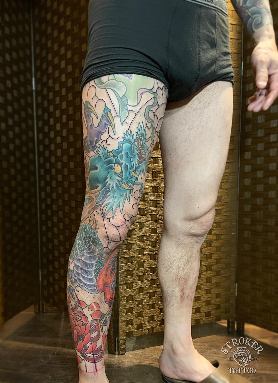 龍、脚の刺青