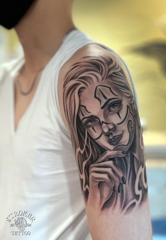 チカーナ、女性顔のタトゥー